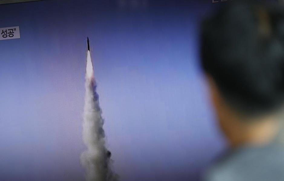 Corea del Nord, lancio multiplo di missili